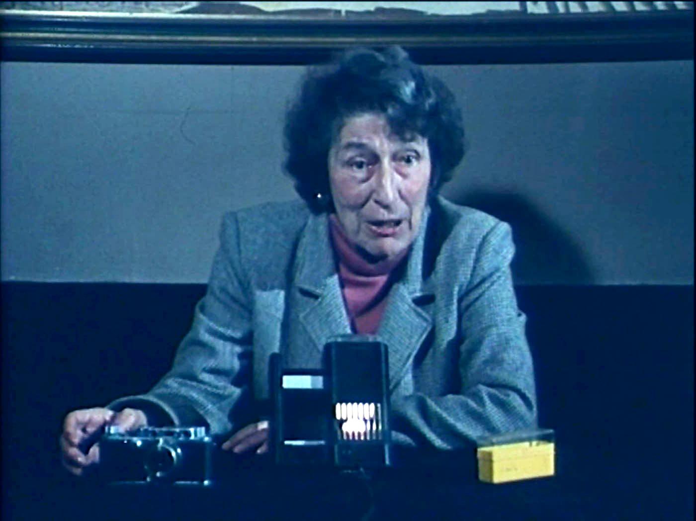 Photogramme de Photographie et société, d'après Gisèle Freund, de Teri Wehn-Damisch, 1983 (2x24 minutes)